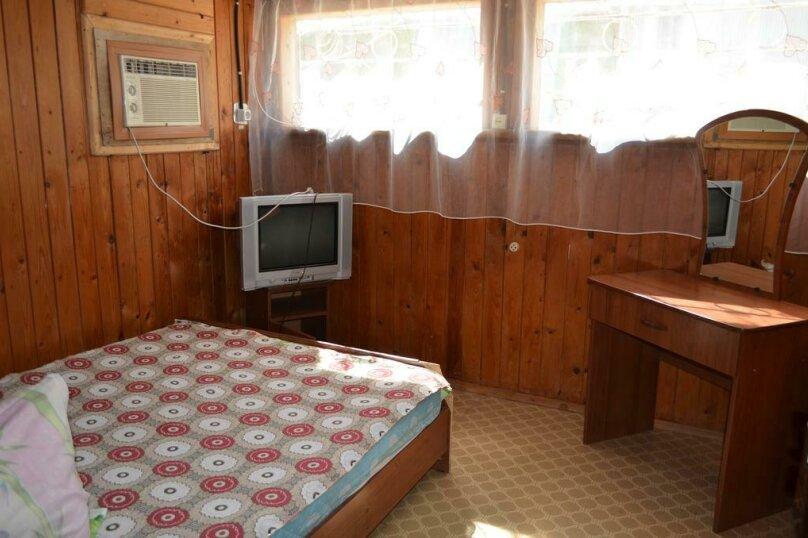 3-х местный номер с удобствами в домике, Набережная улица, 57, Голубицкая - Фотография 2