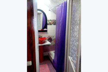 Ялта. Сдаю 3-й этаж частного дома с отдельным входом. , 20 кв.м. на 2 человека, 1 спальня, Поликуровская улица, 5, Ялта - Фотография 4