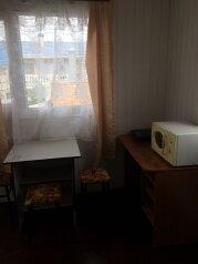 Второй этаж дома с отдельным входом, 20 кв.м. на 3 человека, 1 спальня, улица Советов, 50, Ейск - Фотография 4