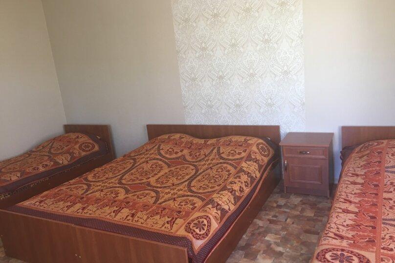 Четырехместный номер с удобствами, Южная улица, 4, Черноморское - Фотография 1