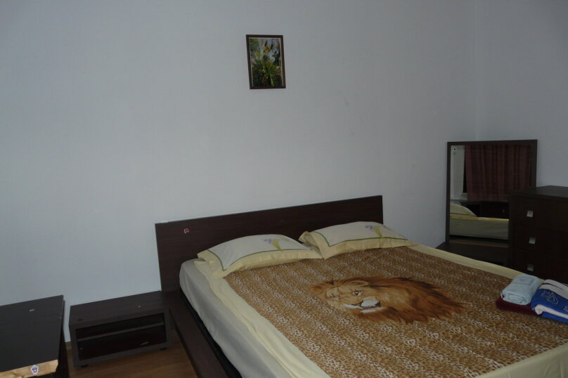 """Гостевой дом """"Клавдия"""", Апрельский переулок, 19 на 5 комнат - Фотография 2"""