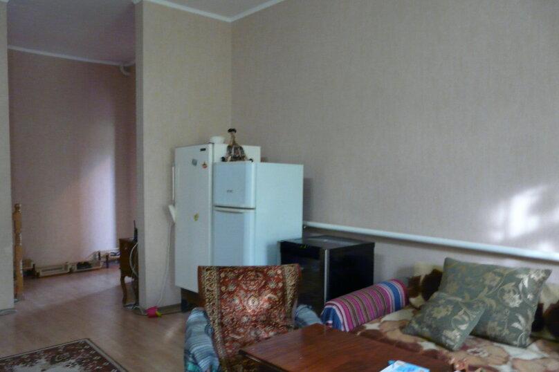 """Гостевой дом """"Клавдия"""", Апрельский переулок, 19 на 5 комнат - Фотография 7"""