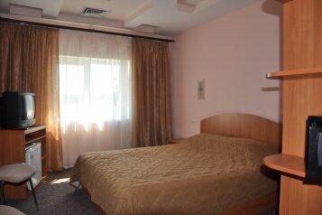Двухкомнатный:  Номер, 5-местный (4 основных + 1 доп), 2-комнатный, Гостиница, Черноморская набережная, 38 Д на 12 номеров - Фотография 4