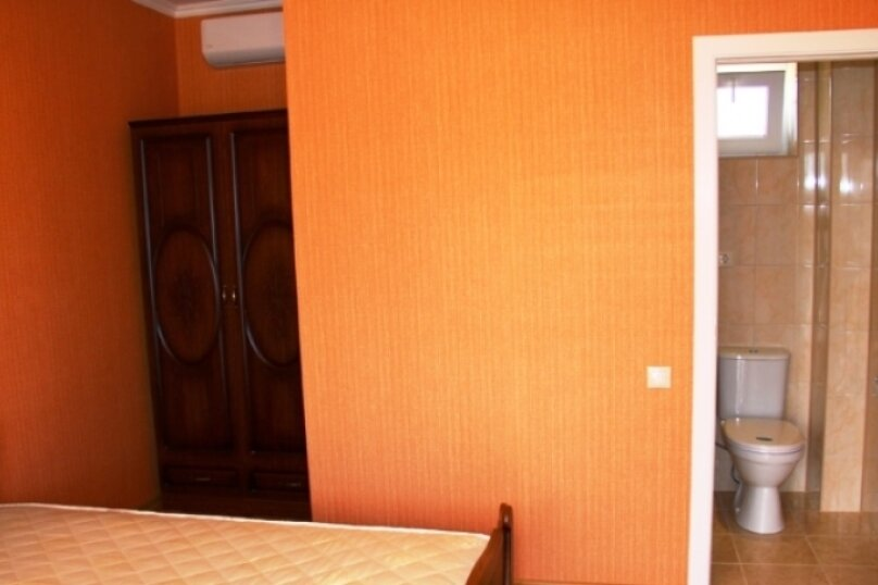 4-х местный номер, улица Туманяна, 8, Алахадзы - Фотография 4