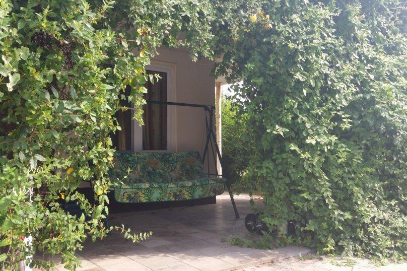 Отдельный коттедж с кухней , 80 кв.м. на 5 человек, 1 спальня, Ленина, 131, Кучугуры - Фотография 10