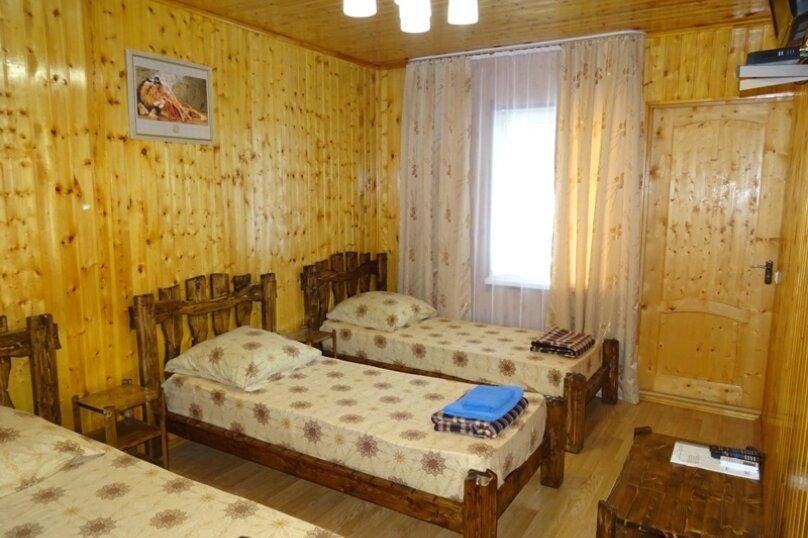 4-х местный номер в домике, улица Шаумяна, 51, Алахадзы - Фотография 3