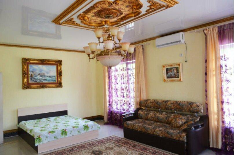 Номер 7мест с удобствами на этаже, Колхозная улица, 12Б, Новомихайловский - Фотография 1