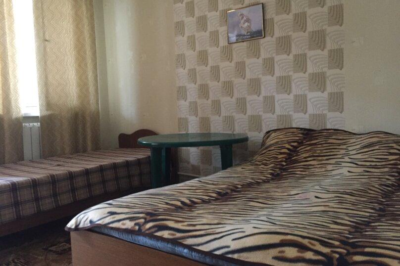 Трехместный номер эконом, Радужная улица, 6, Кабардинка - Фотография 3