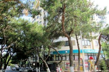 2-комн. квартира, 80 кв.м. на 6 человек, Приморская улица, Геленджик - Фотография 1