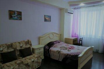 1-комн. квартира, 45 кв.м. на 4 человека, проспект Античный, 11, Севастополь - Фотография 1