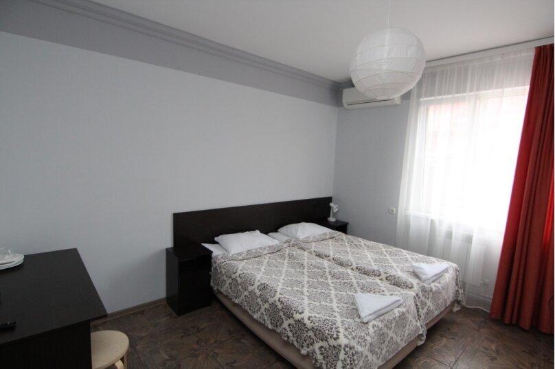 """Гостевой дом """"Инсайт Хаус"""", Кленовая улица, 13 на 14 комнат - Фотография 25"""