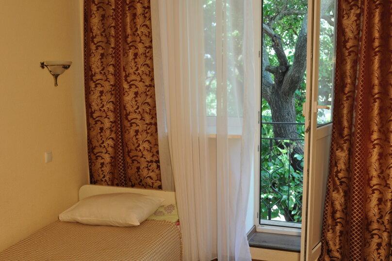 Двухкомнатный четырехместный с двумя балконами, улица Пушкина, 66, Евпатория - Фотография 2