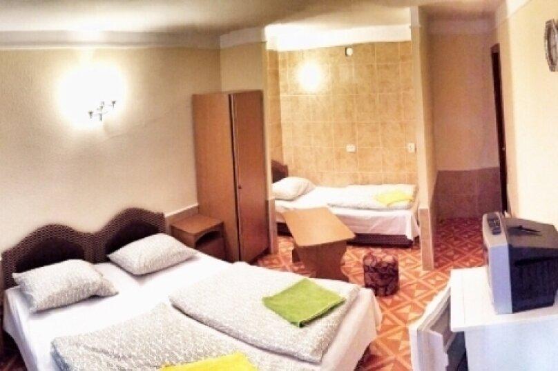 3-х местный люкс номер, Черноморская улица, 22, Джубга - Фотография 1