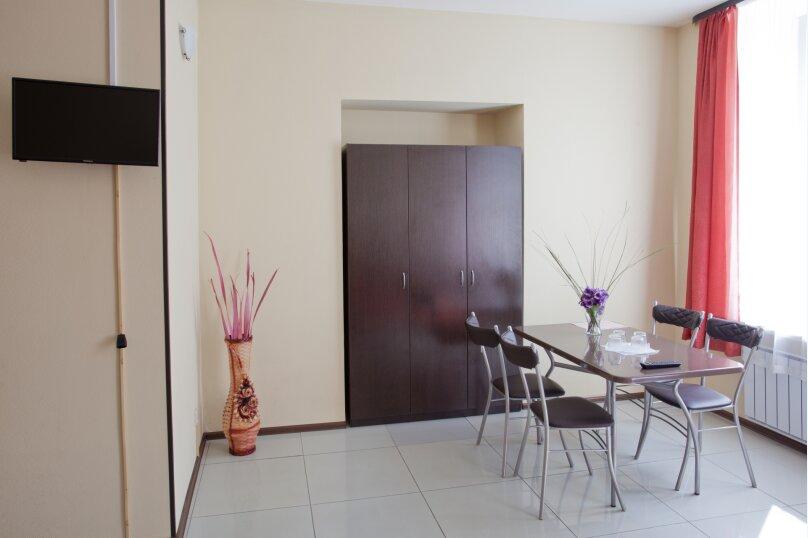 Четырехместный номер с собственной кухней, Кадетская линия , 31, Санкт-Петербург - Фотография 3