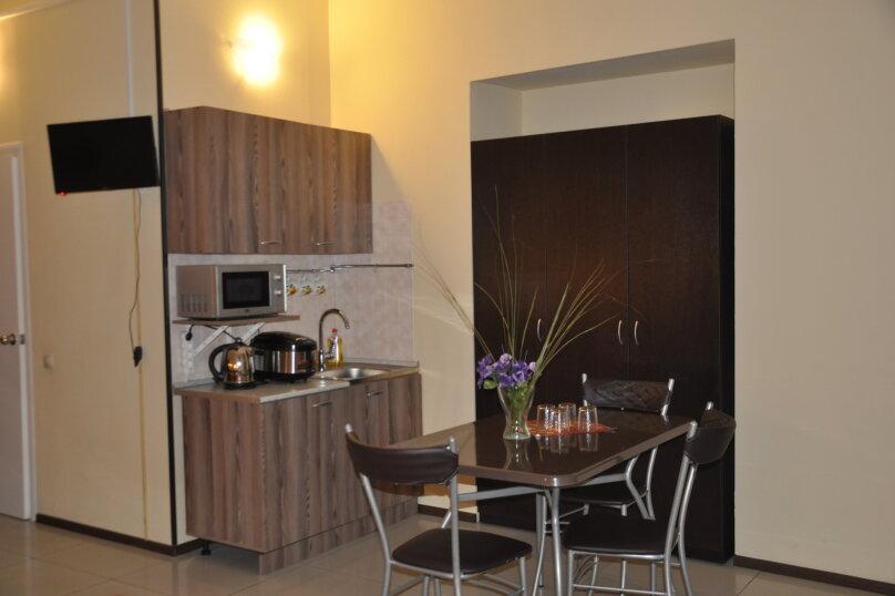Четырехместный номер с собственной кухней, Кадетская линия , 31, Санкт-Петербург - Фотография 4