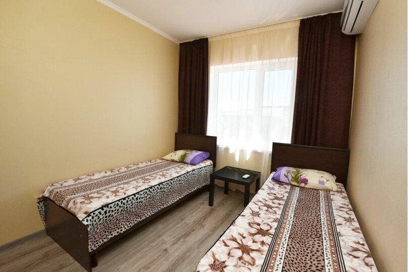 4-местный двухкомнатный номер без балкона, Солнечная улица, 1, ПК Кавказ, Голубицкая - Фотография 3