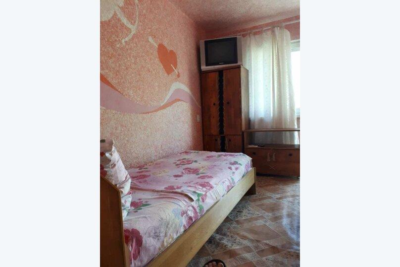 Номер эконом трёхместный, улица Льва Толстого, 3, Керчь - Фотография 2