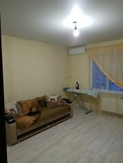 1-комн. квартира, 37 кв.м. на 3 человека, улица Сурикова, Геленджик - Фотография 1