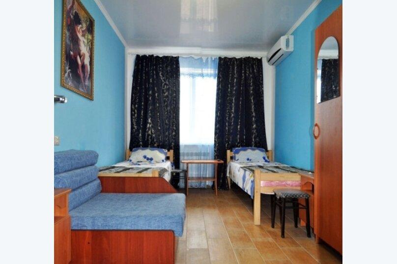 Стандартный двухместный номер с душем и санузлом, Черниговская улица, 18, Геленджик - Фотография 3