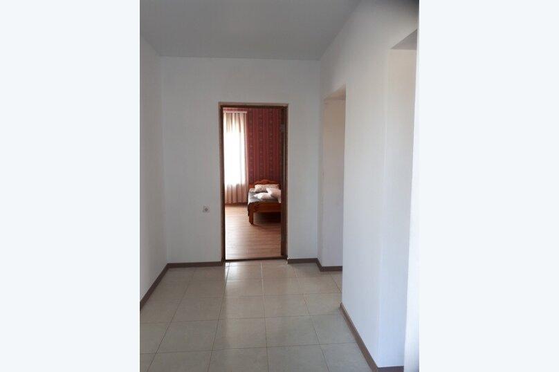 Апартаменты с отдельным входом на первом этаже, Родниковая, 2, село Прибрежное - Фотография 2