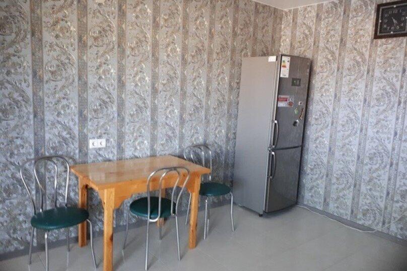 Апартаменты с отдельным входом на первом этаже, Родниковая, 2, село Прибрежное - Фотография 8
