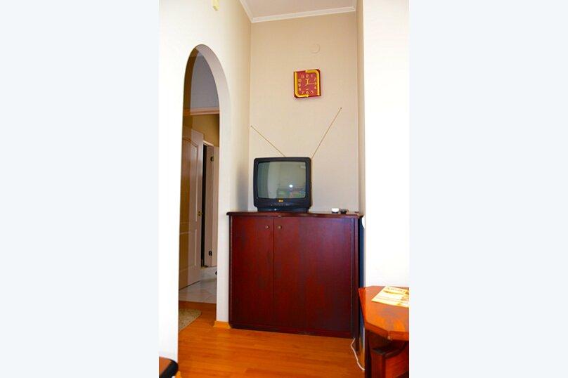 """Мини-гостиница """"АМТЕК"""", Петропавловская улица, 15 на 4 номера - Фотография 12"""