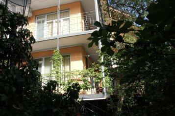 Гостевой дом, улица Мориса Тореза на 18 номеров - Фотография 1