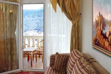 Двухкомнатный люкс с балконом:  Номер, Люкс, 2-местный, 2-комнатный, Отель, улица Калича на 22 номера - Фотография 4