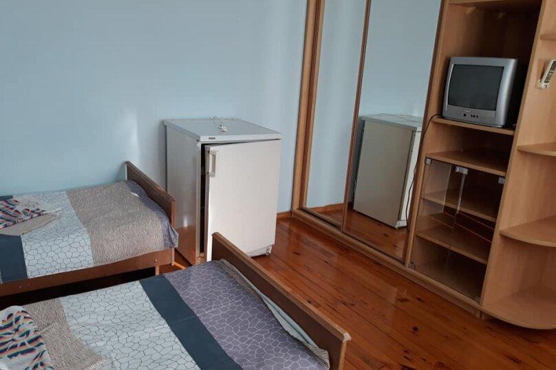 Гостевой дом на Лучистой, Лучистая, 18 на 8 комнат - Фотография 52