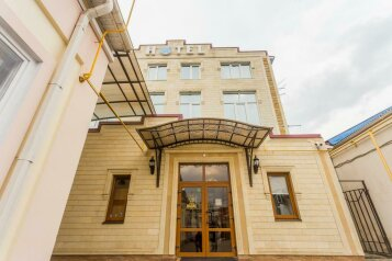 Гостиница, улица Калинина на 11 номеров - Фотография 1