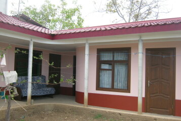 Гостевой дом, улица Даши Севастопольской, 25 на 3 номера - Фотография 1