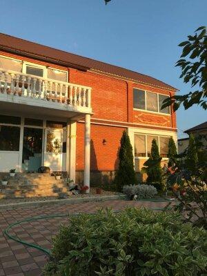 Гостевой дом , Кубанская, 8 на 4 комнаты - Фотография 1