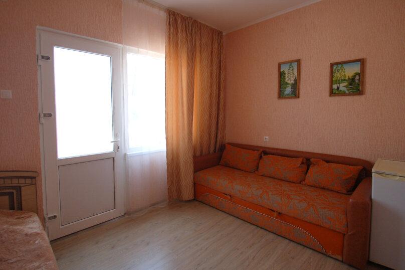 Комфортное размещение в двух смежных комнатах, с балконом, 2 этаж , улица Кирова, 9Б, Дивноморское - Фотография 5
