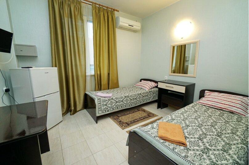 Двухместный с раздельными кроватями, микрорайон Горизонт, 49, Ольгинка - Фотография 1
