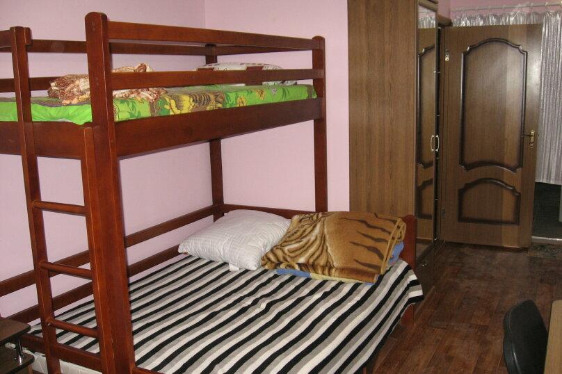 """Гостевой дом """"Александрия"""", Крымская, 17 на 12 комнат - Фотография 27"""
