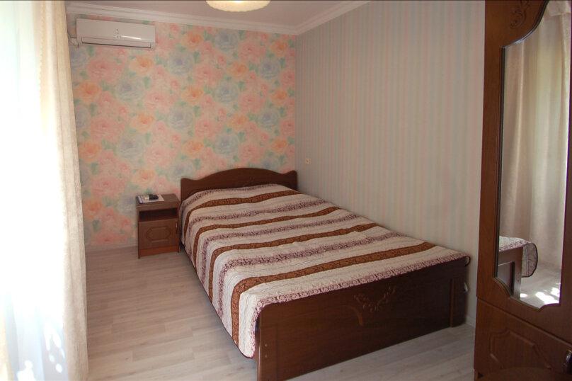 Двухместная стандартная комната, улица Кирова, 9Б, Дивноморское - Фотография 1
