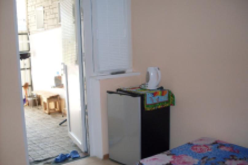 комната №7 (двухместная), Земская улица, 5, Феодосия - Фотография 6