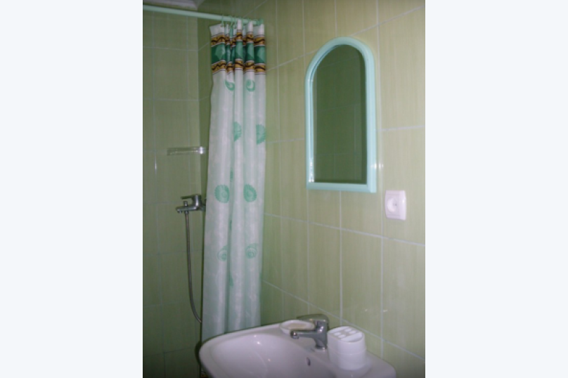 комната №8 (двухместная), Земская улица, 5, Феодосия - Фотография 5