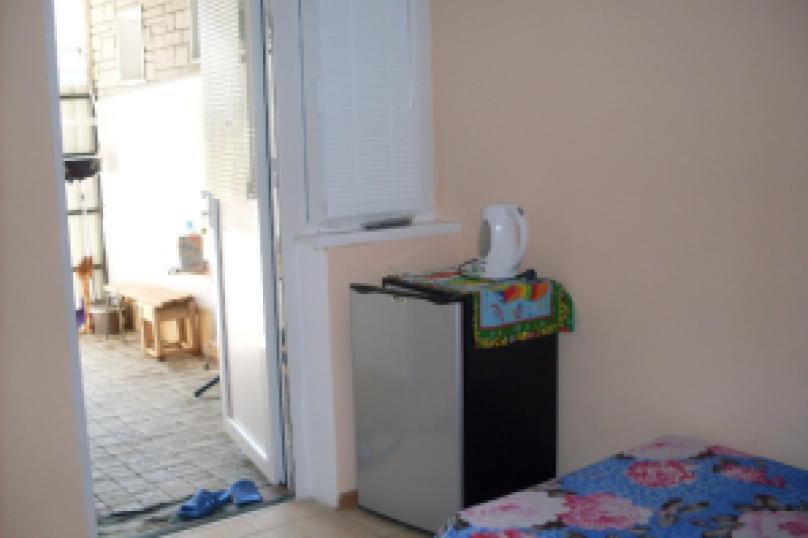комната №8 (двухместная), Земская улица, 5, Феодосия - Фотография 6