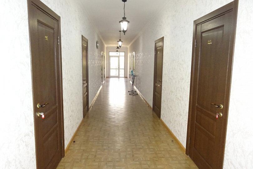 """Гостиница """"На Лакоба 47А"""", улица Лакоба, 47 а на 15 комнат - Фотография 7"""
