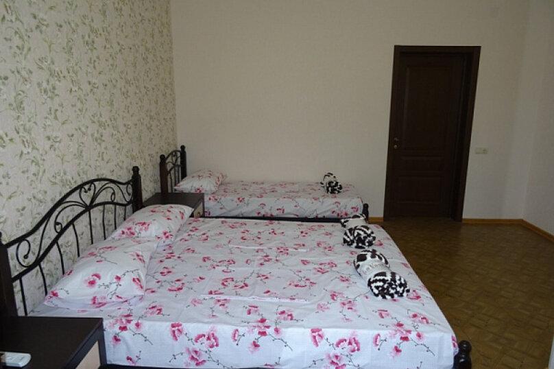 """Гостиница """"На Лакоба 47А"""", улица Лакоба, 47 а на 15 комнат - Фотография 14"""