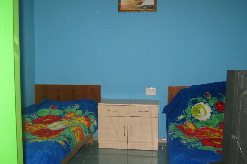 Синий Трехместный номер, улица Даши Севастопольской, 25, Севастополь - Фотография 1