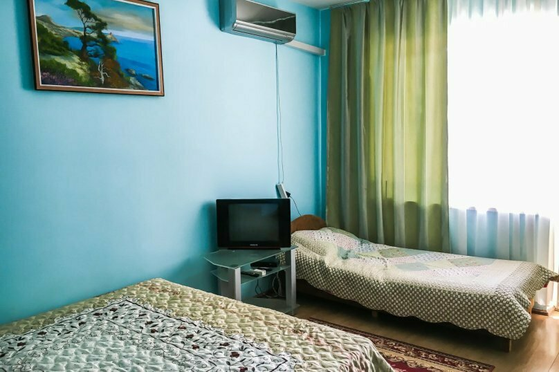 3х местный номер, Парниковая улица, 2, Алушта - Фотография 1