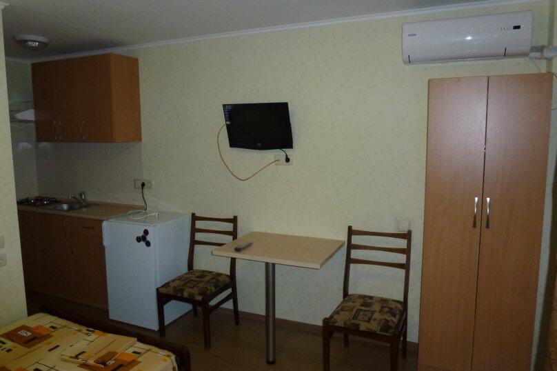 """Гостевой дом """"Лавровый"""", Кооперативный переулок, 6 на 4 комнаты - Фотография 6"""