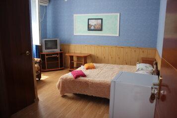 Комплекс мини-гостиниц, улица 8 Марта, 8 на 9 номеров - Фотография 2
