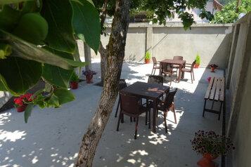 Гостиница, улица Лакоба на 15 номеров - Фотография 3