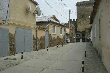 Комнаты эконом-класса в частном секторе, улица Генуэзская Крепость, 5 на 3 номера - Фотография 1