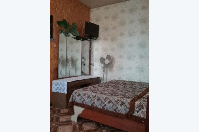2-х местный, Цветочная улица, 26, Черноморское - Фотография 1