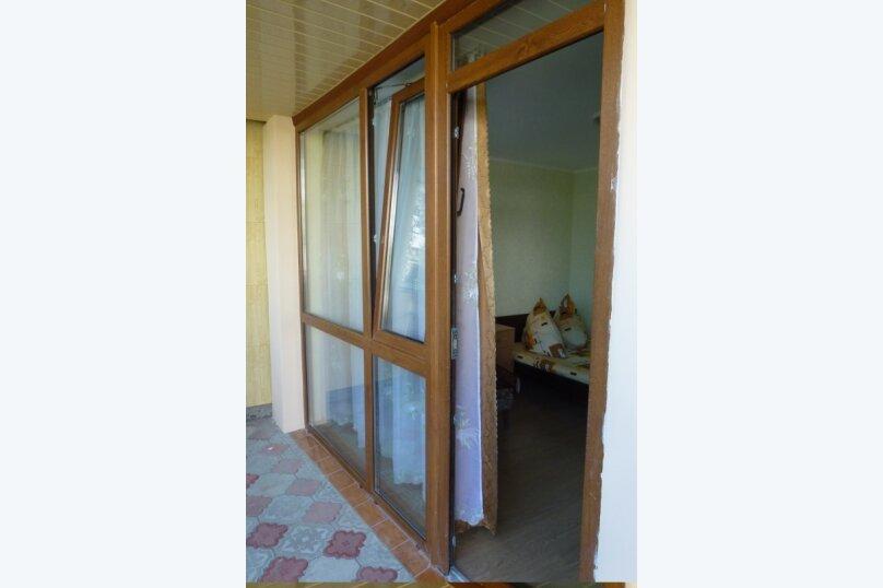 """Гостевой дом """"Лавровый"""", Кооперативный переулок, 6 на 4 комнаты - Фотография 14"""