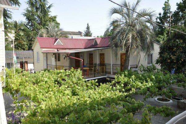 Гостевой дом, улица Акиртава, 55 на 10 номеров - Фотография 1